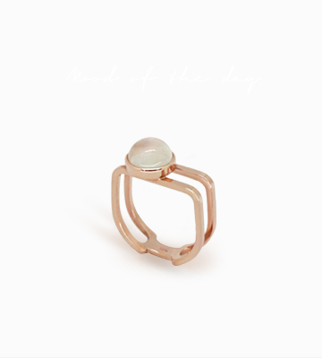 14K Moonstone line Ring [GB16RD45]